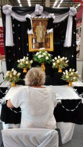 trauer-altar-768x1365